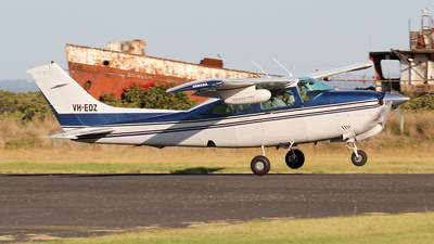 A picture of VHEDZ - Cessna 210N Centurion - [21064805] - © Wal Nelowkin