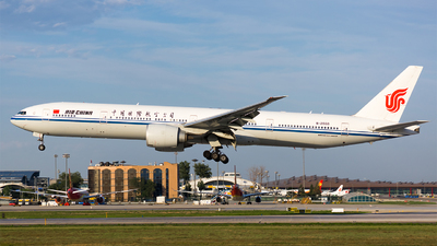 B-2033 - Boeing 777-39LER - Air China