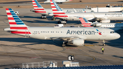 A picture of N121UW - Airbus A320214 - American Airlines - © Yan777