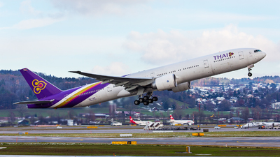 HS-TKR - Boeing 777-3ALER - Thai Airways International