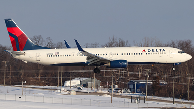 A picture of N811DZ - Boeing 737932(ER) - Delta Air Lines - © Kass Betas
