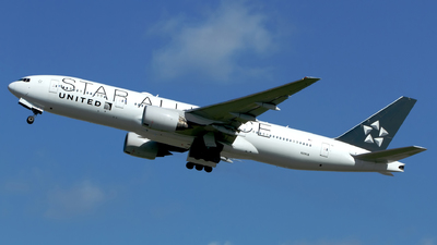 N218UA - Boeing 777-222(ER) - United Airlines