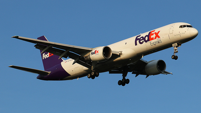 A picture of N770FD - Boeing 757222(SF) - FedEx - © Sam Thomas
