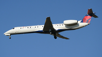 A picture of N282SK - Embraer ERJ145LR - [145409] - © DJ Reed - OPShots Photo Team