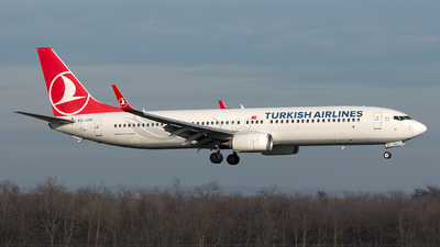 A picture of TCJYH - Boeing 7379F2(ER) - Turkish Airlines - © Szabó Imre