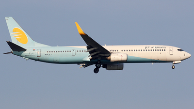 VT-JLJ - Boeing 737-96NER - Jet Airways