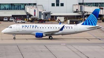 N606UX - Embraer 170-200LR - United Express (ExpressJet Airlines)