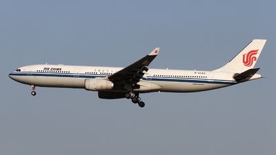 B-6523 - Airbus A330-343 - Air China