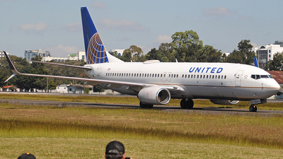 A picture of N87513 - Boeing 737824 - United Airlines - © Brian Boche
