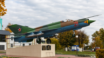 21 - Mikoyan-Gurevich MiG-21 Fishbed - Soviet Union - Air Force