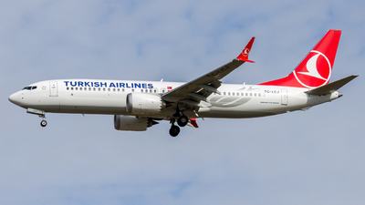 A picture of TCLCJ - Boeing 737 MAX 8 - Turkish Airlines - © Peter Tolnai