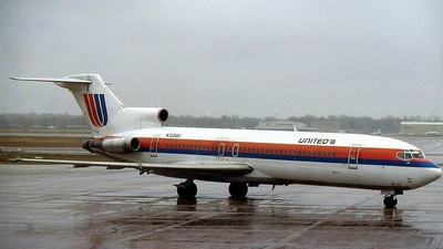 N7290U - Boeing 727-222(Adv) - United Airlines