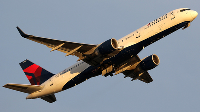 N557NW - Boeing 757-251 - Delta Air Lines