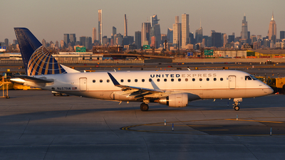 A picture of N657RW - Embraer E170SE - United Airlines - © Rocky Wang