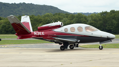 N3EE - Cirrus Vision SF50 G2 - Private