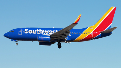 A picture of N210WN - Boeing 7377H4 - Southwest Airlines - © Michael Walter