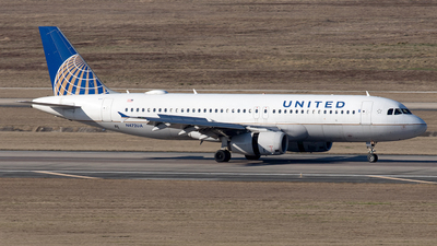 A picture of N472UA - Airbus A320232 - United Airlines - © Yixin Chen