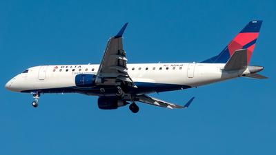 A picture of N214JQ - Embraer E175LR - Delta Air Lines - © Yan777