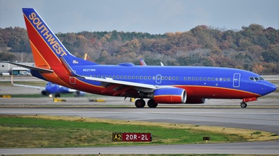 N227WN - Boeing 737-7H4 - Southwest Airlines