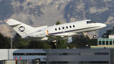 M-INOR - Raytheon Hawker 900XP - Private