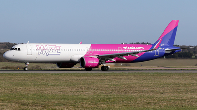 A picture of HALVM - Airbus A321271NX - Wizz Air - © Terry Figg