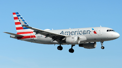 A picture of N8031M - Airbus A319115 - American Airlines - © Alexander Portas