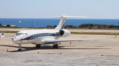 M-ARVA - Bombardier BD-700-1A10 Global 6000 - Private