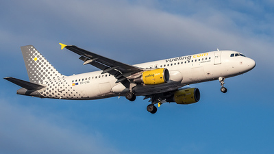 EC-LVC - Airbus A320-214 - Vueling