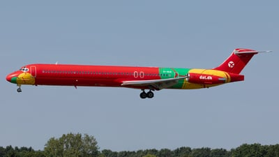 OY-RUE - McDonnell Douglas MD-83 - Danish Air Transport (DAT)