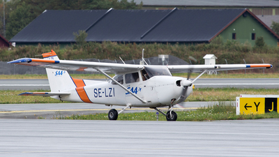 SE-LZI - Cessna 172R Skyhawk - Scandinavian Aviation Academy