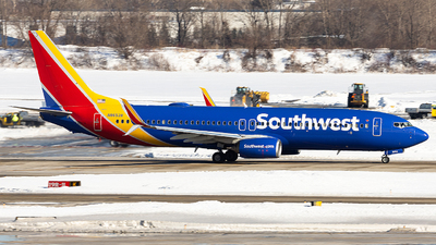 N8652B - Boeing 737-8H4 - Southwest Airlines