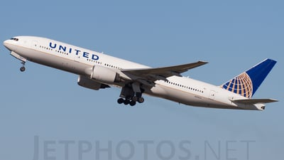 N219UA - Boeing 777-222(ER) - United Airlines