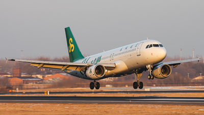 A picture of B6301 - Airbus A320214 - Spring Airlines - © Northrop_L
