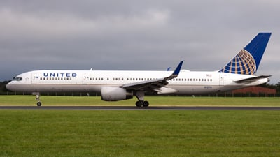 A picture of N12116 - Boeing 757224 - United Airlines - © Andrea Spoladore