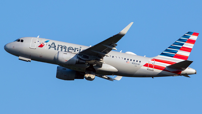 A picture of N9004F - Airbus A319115 - American Airlines - © Nelson Mejia