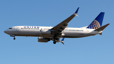 N33262 - Boeing 737-824 - United Airlines