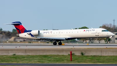 A picture of N668CA - Mitsubishi CRJ701ER - Delta Air Lines - © Mateo Skinner
