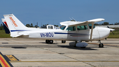 A picture of VHMOU - Cessna 172M Skyhawk - [17264583] - © Haozhe Peng