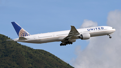 A picture of N2142U - Boeing 777322(ER) - United Airlines - © eyey328