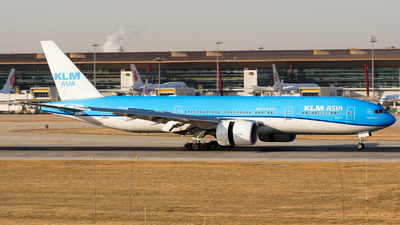 A picture of PHBQF - Boeing 777206(ER) - KLM - © CHEN SHUO