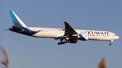 A picture of 9KAOC - Boeing 777369(ER) - Kuwait Airways - © Luis Bastardo | @lb.planes