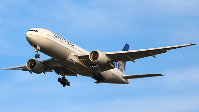N779UA - Boeing 777-222 - United Airlines