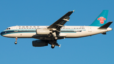 B-1653 - Airbus A320-232 - China Southern Airlines