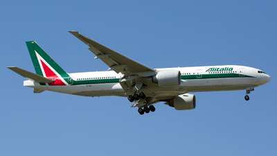 A picture of EIISD - Boeing 777243(ER) - Alitalia - © Chris Pitchacaren