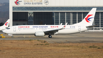 A picture of B5796 - Boeing 73789P - China Eastern Airlines - © SEN BAI