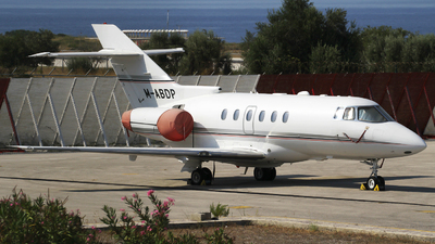 M-ABDP - Raytheon Hawker 800XP - Private
