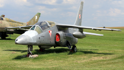 105 - PZL-Mielec I-22 Iryda - Poland - Air Force
