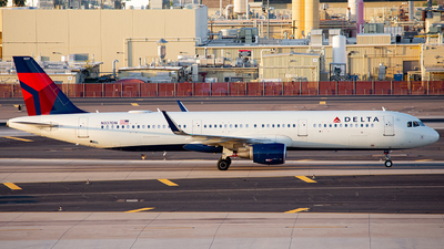 A picture of N337DN - Airbus A321211 - Delta Air Lines - © Alexander Owen