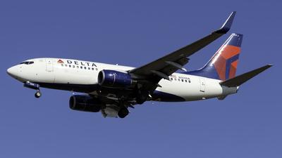 A picture of N309DE - Boeing 737732 - [29634] - © Kerrigan_Aviation_NJ