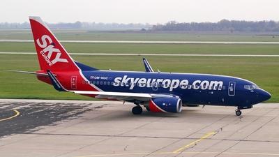 OM-NGC - Boeing 737-76N - SkyEurope Airlines